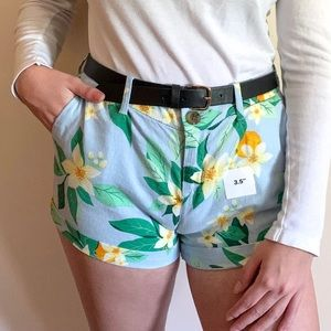 Floral / Hawaiian Print shorts